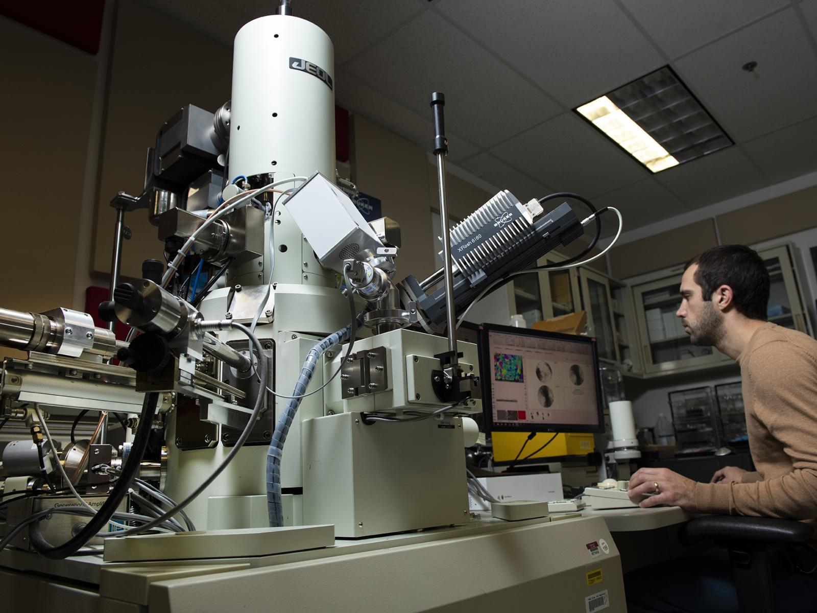 میکروسکوپ های الکترونی با وضوح بالا